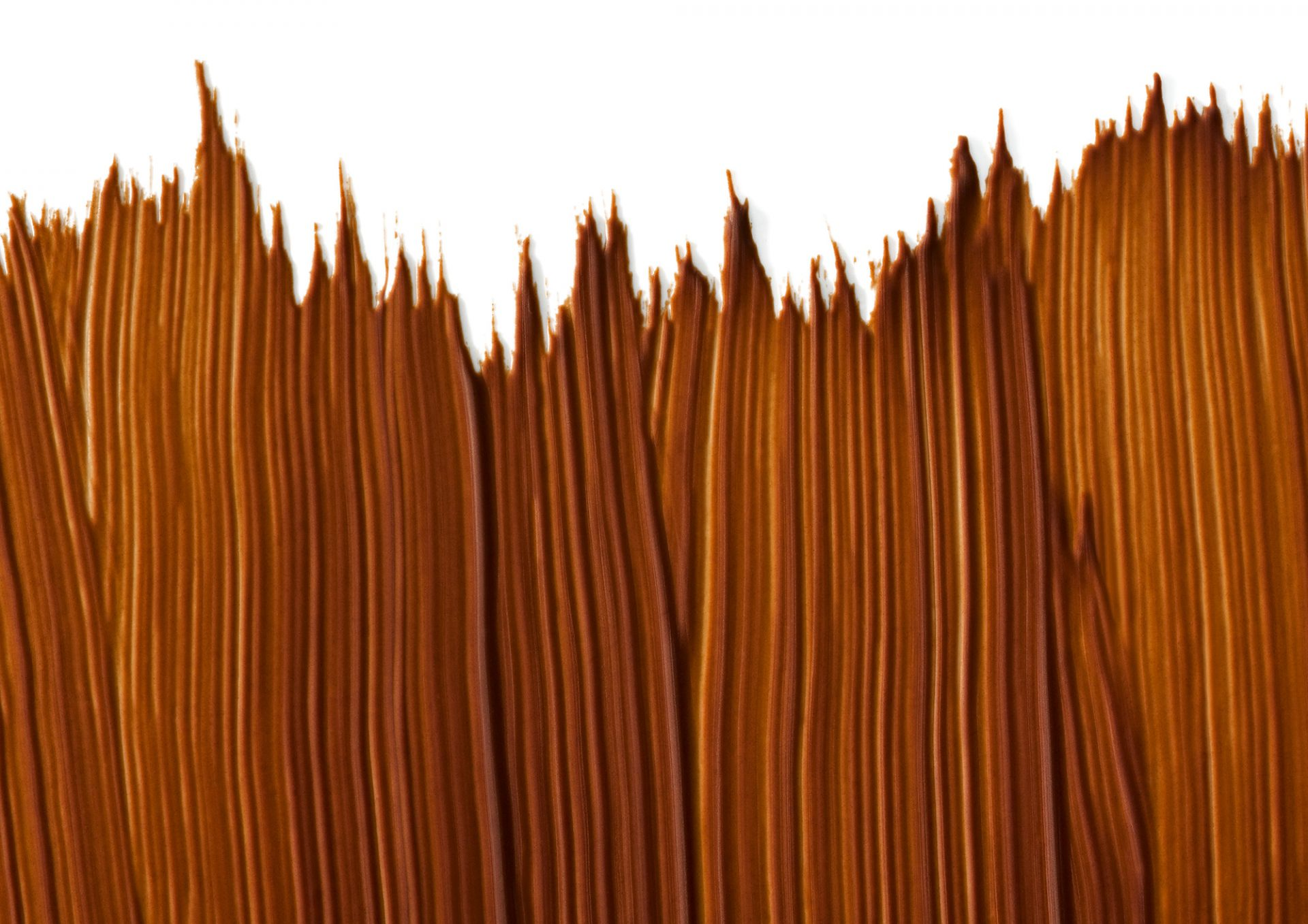 Makroaufnahmen von Schokoladen, aufwändige Fotokompositionen im Stil alter Meister kombiniert mit frischen klaren Farben vermitteln das entspannte Verhältnis des Unternehmens zur eigenen Tradition. Detailreiche Stories stellen die Produkte, deren Entstehungsgeschichten und die Menschen dahinter vor.