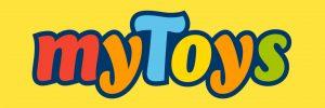 Logo von MyToys gegen einen gelben Hintergrund. Brand Design von Realgestalt