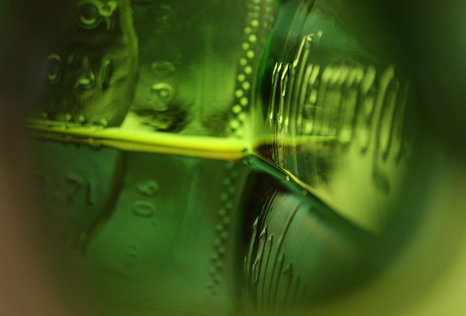 Aufnahmen einer Jägermeister-Flasche im neuen Brand Design entwickelt von Realgestalt