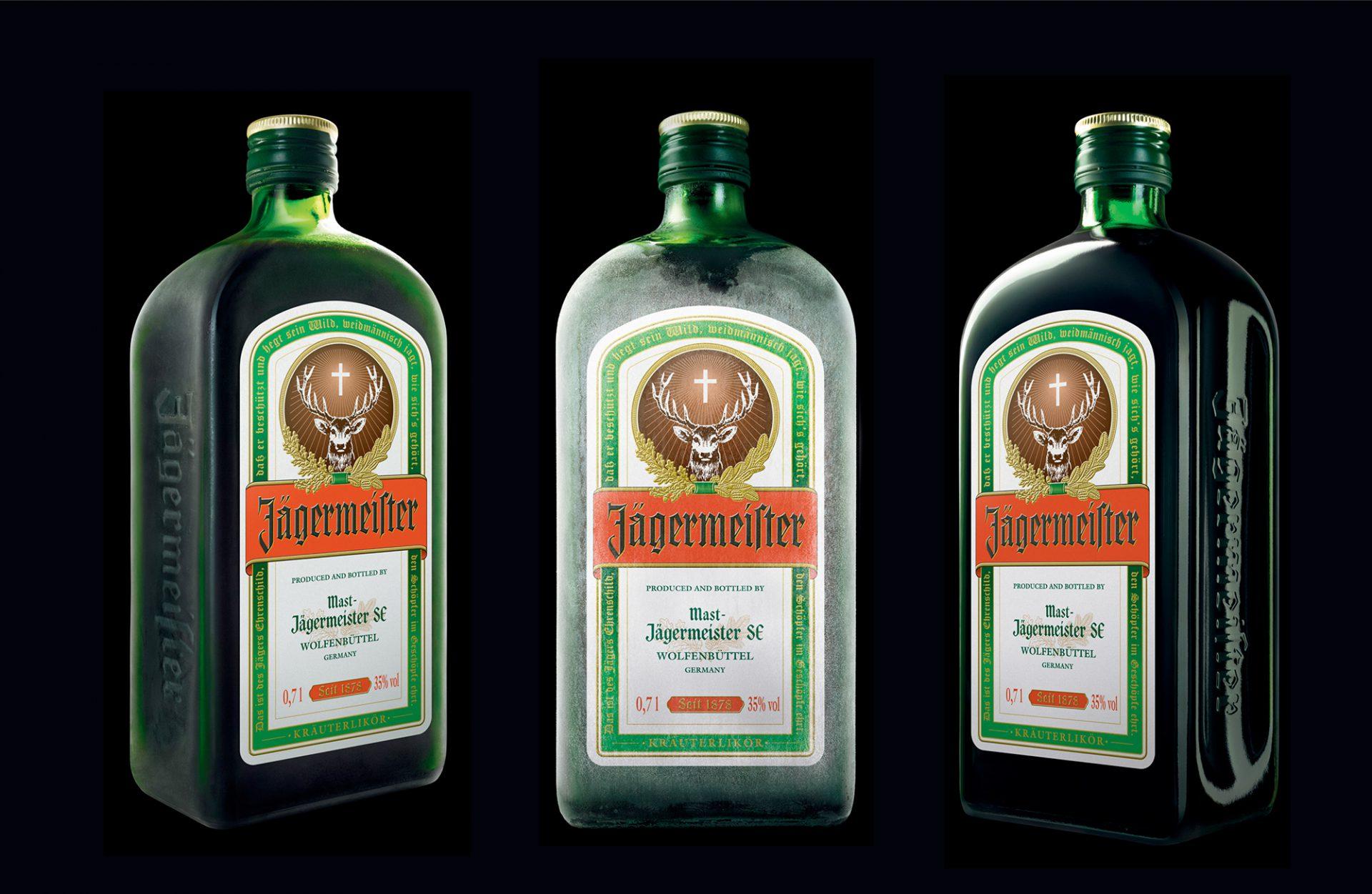 Drei Ansichten einer Jägermeister Flasche im neuen Brand Design von Realgestalt