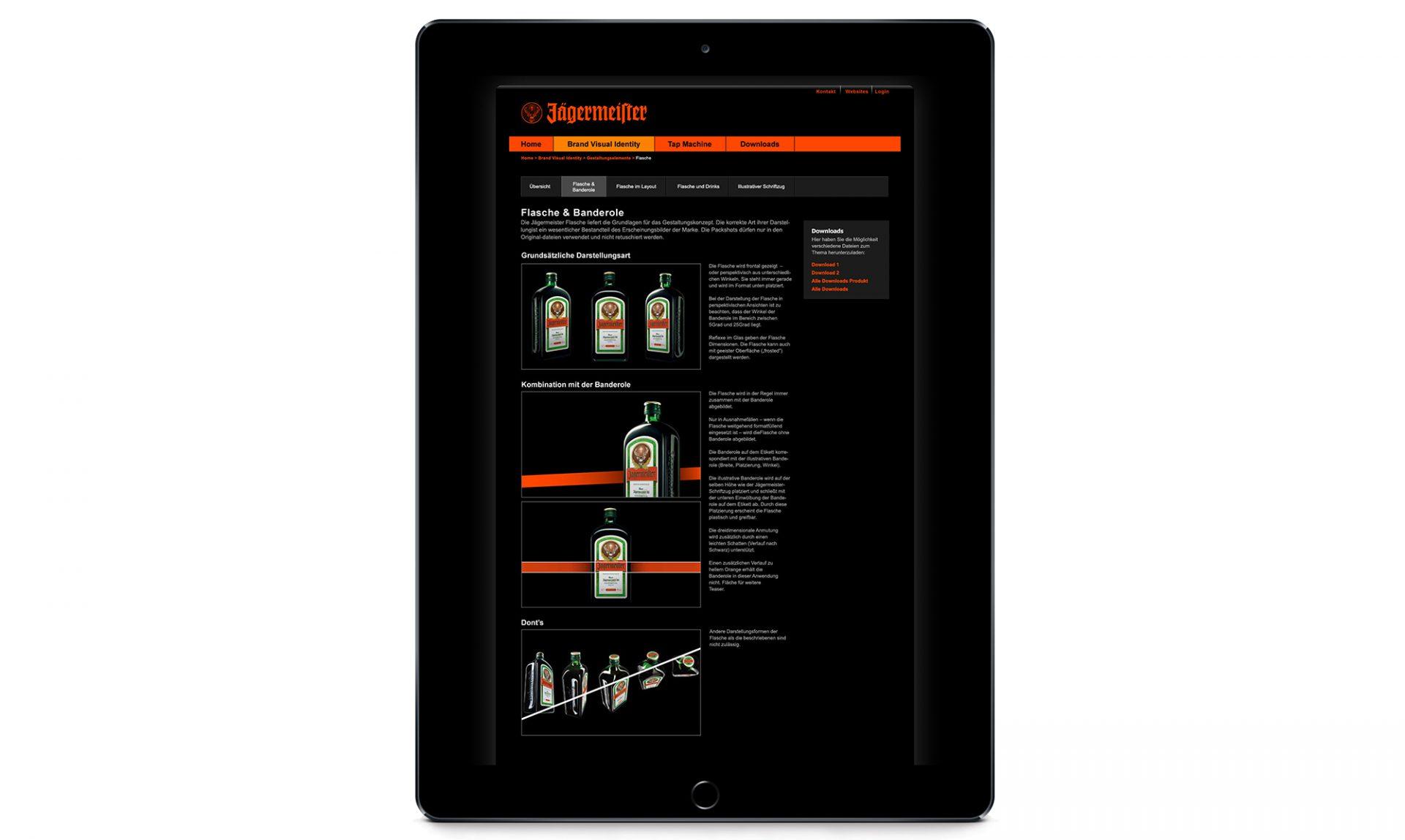 Ein iPad mit einer Seite, die das neue Brand Design von Jägermeister zeigt